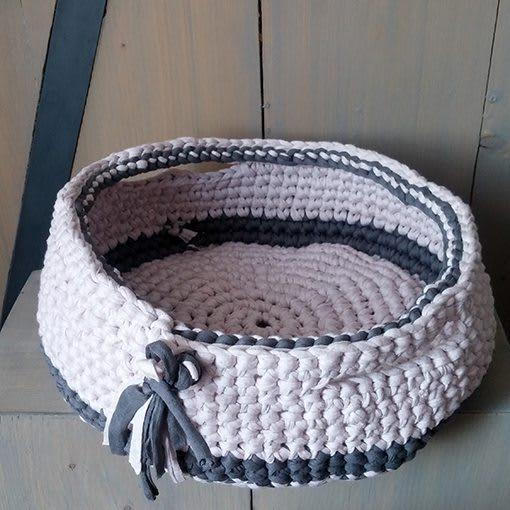 gehaakte mand-grijs-roze-rond-liznoah-03