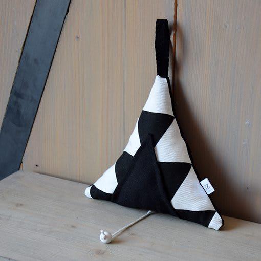 muziekdoosje-tipi-zwart-wit-liznoah-01