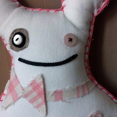 knuffels-steekje-roze-wit-liznoah-04