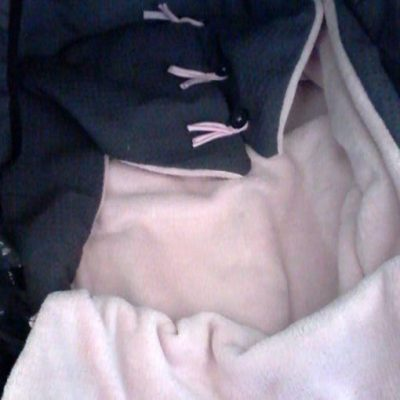 reiswieg-voetenzak-roze-grijs-wafeltjesstof-liznoah-04