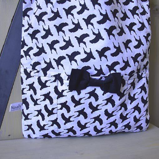 tas-gevoerd-zwart-wit-vogelprint-shopper-liznoah-04