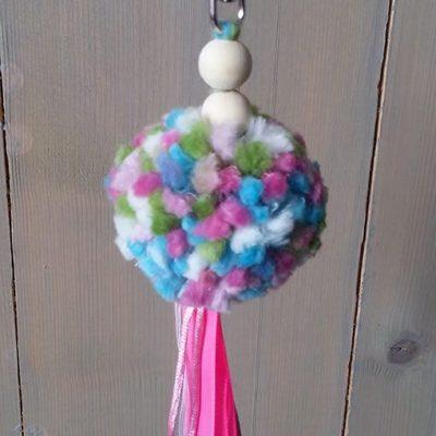 pompon-gemelleerd-roze-blauw-hartje-liznoah-02