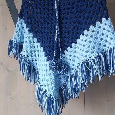 poncho-twee-kleuren-blauw-liznoah-02
