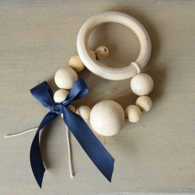 houten-bijtring-kralen-slinger-strik-blauw-liznoah-07